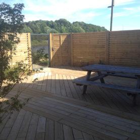Terrasse et clôture bois